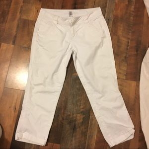 Maurices White 5/6 capris